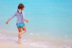 Kleines Mädchen auf Ferien Lizenzfreies Stockfoto