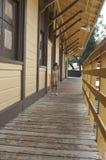 Kleines Mädchen auf Pfad Stockbilder