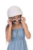 Kleines Mädchen auf weißem Hintergrund Lizenzfreie Stockfotografie