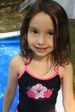 Kleines Mädchen in Badeanzug Lizenzfreie Stockfotografie