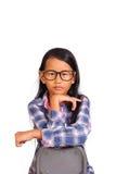 Kleines Mädchen-Blick zur Front mit der Hand unter Chin Lizenzfreies Stockfoto