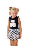 Kleines Mädchen, das auf einem weißen Hintergrund schreit Stockfotos