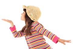 Kleines Mädchen, das für seine leere Hand erreicht Lizenzfreie Stockbilder