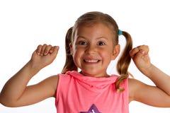 Kleines Mädchen, das mit Freude zujubelt Stockbild