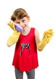 Kleines Mädchen in den Gummihandschuhen Stockbild