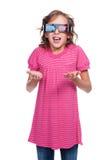 Kleines Mädchen in den Stereogläsern Stockbilder