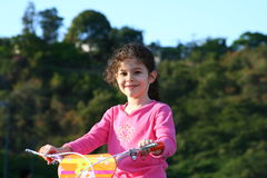 Kleines Mädchen der Schönheit stockfoto