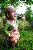 Kleines Mädchen der Tonwaren Stockfoto