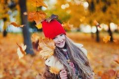 Kleines Mädchen des Portraits stockbild