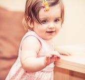 Kleines Mädchen in einem Kleid Lizenzfreies Stockbild