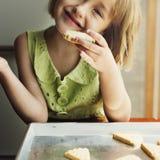 Kleines Mädchen-Glück-Adoleszenz-nettes Konzept Lizenzfreie Stockfotografie