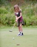 Kleines Mädchen-Golfspieler Lizenzfreies Stockbild