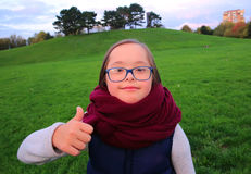 Kleines Mädchen haben Spaß Stockfotografie
