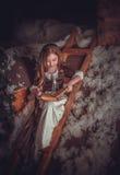 Kleines Mädchen im Bild von Aschenputtel lizenzfreies stockfoto