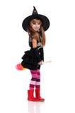 Kleines Mädchen im Halloween-Kostüm Stockfoto