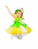 Kleines Mädchen im Kamillenkostüm Stockfotos