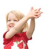 Kleines Mädchen im roten Kleid lizenzfreie stockfotografie