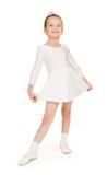Kleines Mädchen im weißen Ballkleid Lizenzfreies Stockbild