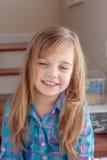 Kleines Mädchen Lauging Lizenzfreies Stockbild
