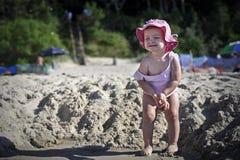 Kleines Mädchen möchte pinkeln Lizenzfreies Stockbild