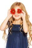 Kleines Mädchen mit Augen - Blumen Lizenzfreie Stockbilder