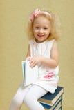 Kleines Mädchen mit dem blonden Haar Stockfoto