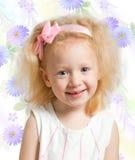 Kleines Mädchen mit dem blonden Haar Lizenzfreie Stockfotografie