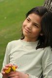 Kleines Mädchen mit durchdachtem Ausdruck Lizenzfreie Stockfotos
