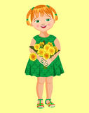 Kleines Mädchen mit einem Blumenstrauß des Löwenzahns Lizenzfreies Stockfoto