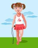 Kleines Mädchen mit einem Springseil Lizenzfreies Stockbild