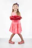 Kleines Mädchen mit roter Tasche als Erwachsenen Lizenzfreie Stockfotos