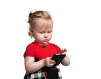 Kleines Mädchen mit smartphone Lizenzfreies Stockbild