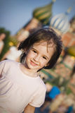 Kleines Mädchen in Moskau Stockbild