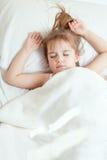 Kleines Mädchen-Schlafen Lizenzfreie Stockbilder