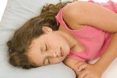 Kleines Mädchen-Schlafen lizenzfreie stockfotos