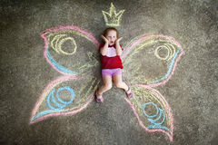 Kleines Mädchen Schmetterling, ÜBERRASCHUNG Stockfoto