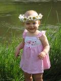 Kleines Mädchen am Sommer stockbild