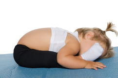 Kleines Mädchen trainierte Flexibilität Lizenzfreie Stockbilder