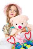 Kleines Mädchen und Ostereier Lizenzfreies Stockfoto