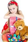 Kleines Mädchen und Ostereier Lizenzfreie Stockbilder