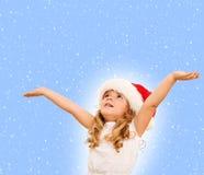 Kleines Mädchen, welches das Weihnachten wartet Stockbild