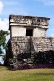 Kleines Maya-Gebäude bei Tulum stockfoto
