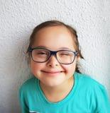 Kleines Mädchen haben Spaß Lizenzfreies Stockfoto