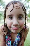 Kleines nasses Mädchen Stockfotografie