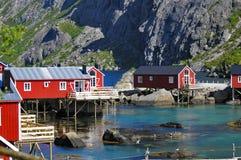 Kleines norwegisches Dorf stockfotografie