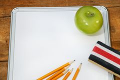 Kleines Notizbrett für Schule stockfotografie