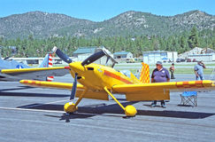 Kleines privates Flugzeug Lizenzfreie Stockfotos
