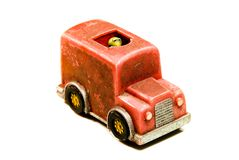 Kleines rotes Spielzeugauto von meiner Kindheit Stockfotografie
