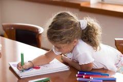 Kleines Schulmädchen Lizenzfreies Stockbild
