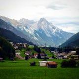 Kleines Skiort in der Schweiz Lizenzfreie Stockfotos
